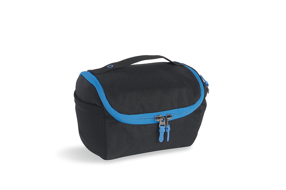 Косметичка для путешествий Tatonka One week, цвет: черный2818.040Объемная сумочка Tatonka One week предназначена для переноски и хранения косметических принадлежностей. Имеет одно основное отделение на застежке-молнии. По бокам расположен сетчатый карман и карман на застежке-молнии. Удобные разделители-кармашки внутри. Удобный крючок: косметичку можно повесить. В комплекте - съемное небьющееся зеркало.