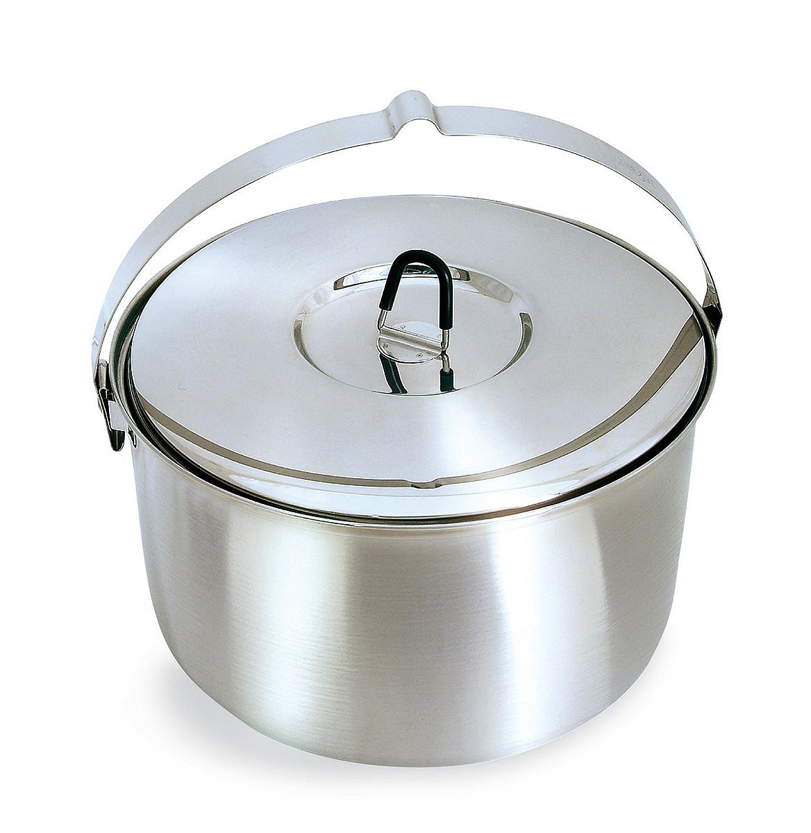 Котелок походный Tatonka Family Pot, 6 л4006.000Вместительный котелок Tatonka Family Pot отлично подойдет для большой компании. Выполнен из высококачественной нержавеющей стали 18/8, которая легко чистится, не имеет привкуса, устойчива к коррозии, долговечна. Крышка котелка имеет не нагревающуюся ручку. Преимущества и особенности: Выполнен из нержавеющей стали Мерная шкала внутри котелка Прорезиненная ручка крышки. Диаметр котелка: 26 см. Высота котелка: 15 см.