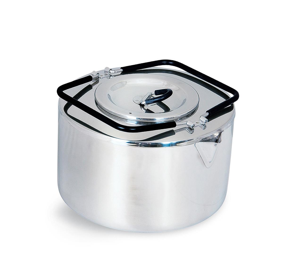 Чайник походный Tatonka Teapot, 2,5 л4011.000Чайник Tatonka Teapot из нержавеющей стали с термоизолированными ручками и компактным дизайном. Замечательно подходит для использования дома и на выезде. В комплекте ситечко из нержавеющей стали. Преимущества и особенности: Высококачественная нержавеющая сталь. Складные термоизолированные ручки. Крышка со складной термоизолированной ручкой. Компактный дизайн. Ситечко из нержавеющей стали. Диаметр чайника: 18 см. Высота чайника: 10 см.