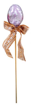 Декоративное пасхальное украшение на ножке Home Queen Яйцо блестящее, цвет: сиреневый, серебристый, высота 27 см60739_3Декоративное украшение Home Queen Яйцо блестящее выполнено из пластика и полиэстера в виде пасхального яйца на деревянной ножке, декорированного текстильной лентой. Такое украшение прекрасно дополнит подарок для друзей или близких на Пасху. Высота: 27 см. Размер яйца: 4,5 см х 4,5 см х 6 см.