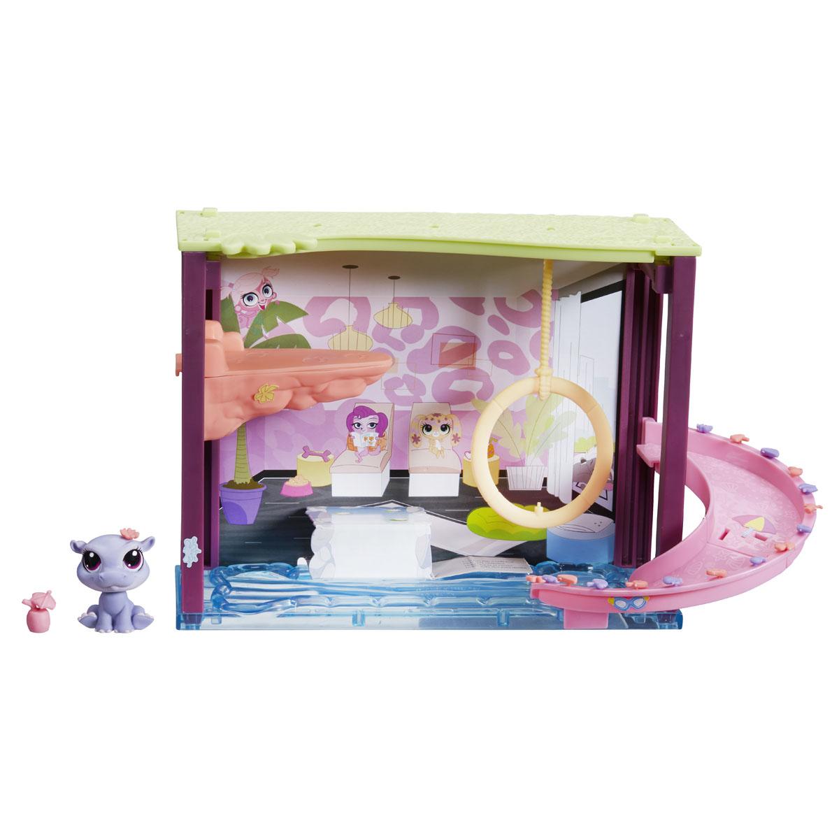 Littlest Pet Shop Игровой мини-набор Pawza PoolB0119_A7641_SolidИгровой мини-набор Littlest Pet Shop Pawza Pool не оставит равнодушной вашу малышку! Набор включает в себя более 35 аксессуаров для создания неповторимой музыкальной сцены, и эксклюзивную фигурку питомца-бегемотика. Голова игрушки подвижна. Комната-бассейн включает в себя качели для питомца и водную горку. Ваша малышка сможет украсить ее по своему вкусу, при помощи входящих в набор пластиковых декоративных элементов и наклеек. Маленькие зверюшки смогут весело провести время около бассейна, прокатиться с горки и спрыгнуть в бассейн с тарзанки. Набор совместим с другими мини-наборами Littlest Pet Shop - соедините все наборы между собой и построй свой уникальный мир LPS! Играя с этим набором, ваша малышка прекрасно проведет время. Порадуйте ее таким замечательным подарком!