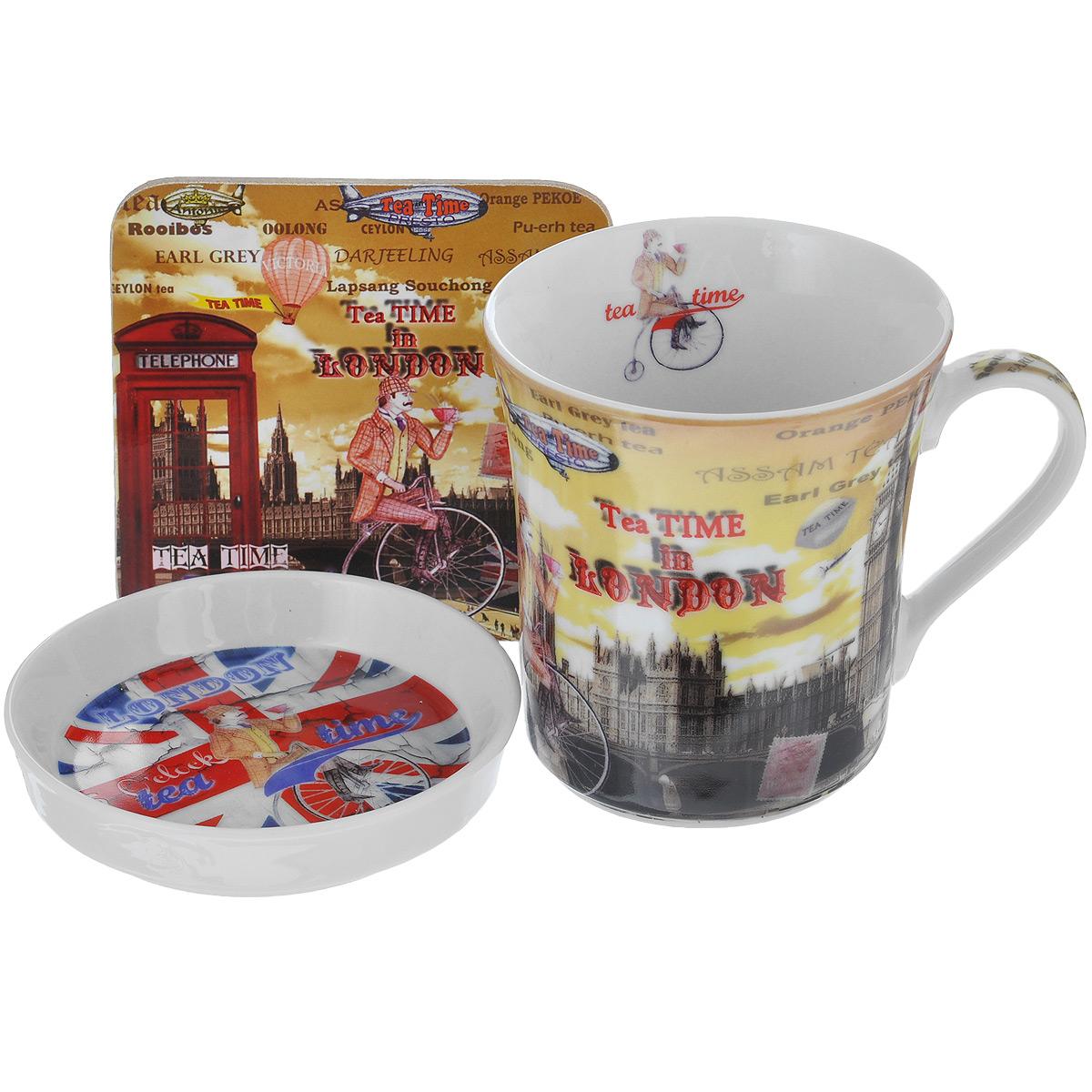 Набор чайный GiftLand Пора пить чай, 3 предметаRB-0857NC-teatimeЧайный набор GiftLand Пора пить чай состоит из фарфоровых кружки и блюдца и подставки под кружку, изготовленной из пробки. Блюдце можно использовать и как крышку для кружки, чтобы ваши напитки дольше оставались горячими. Предметы набора декорированы изображением Лондона. Яркий и стильный чайный набор прекрасно впишется в интерьер вашей кухни и создаст хорошее настроение во время чаепития. Набор упакован в подарочную коробку в виде лондонской телефонной будки. Кружку и блюдце можно мыть в посудомоечной машине и использовать в микроволновой печи. Объем кружки: 300 мл. Диаметр кружки: 8,5 см. Высота кружки: 9,5 см. Диаметр блюдца: 9,5 см. Высота блюдца: 2 см. Размер подставки: 9 см х 9 см.