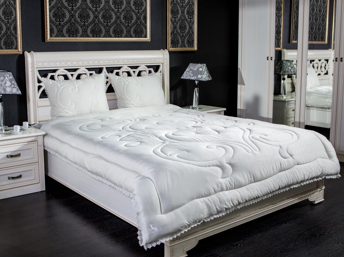 Одеяло Primavelle Pashmina Premium, наполнитель: шерсть пашмины, цвет: слоновая кость, 200 х 220 см124630106-11PsОдеяло Primavelle Pashmina Premium - стильная и комфортная постельная принадлежность премиум класса, которая подарит уют и позволит окунуться в здоровый и спокойный сон. Чехол одеяла выполнен из 100% тенселя с шелковистой текстурой, украшен изысканным узором и фигурной стежкой, по краю оформлен декоративной отделкой нежнейшим кружевом, достойным королевских покоев. В качестве наполнителя используется пашмина. Это тончайший сорт кашемира, который собирается вручную только один раз в год. Толщина нити пашмины в 3-4 раза тоньше человеческого волоса, поэтому изделия из этой шерсти отличаются особой легкостью и деликатностью. Благодаря своим свойствам пашмина - один из самых дорогих видов шерсти в мире. Это самая тонкая, самая теплая, самая мягкая и самая легкая шерсть. Пашмина в 8 раз теплее овечьей шерсти! Одеяло отличается хорошей терморегуляцией: оно окутает вас своей нежностью и согреет в самый сильный мороз. Одеяло просто в уходе, подходит для...
