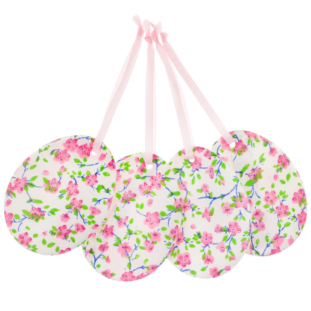 Набор пасхальных подвесных украшений Home Queen Яркий день, цвет: розовый, 4 шт60797_2Набор Home Queen Яркий день, изготовленный из полиэстера, состоит из четырех пасхальных подвесных украшений. Изделия выполнены в виде пасхальных яиц с мягким наполнителем, декорированы цветочным принтом и оснащены текстильными петельками для подвешивания. Такой набор прекрасно дополнит оформление вашего дома на Пасху. Размер украшения: 6,5 см х 5 см х 0,3 см.