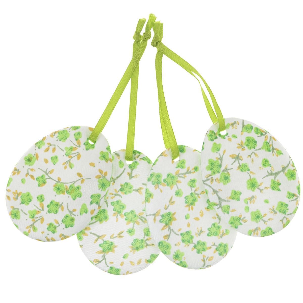 Набор пасхальных подвесных украшений Home Queen Яркий день, цвет: зеленый, 4 шт60797_1Набор Home Queen Яркий день, изготовленный из полиэстера, состоит из четырех пасхальных подвесных украшений. Изделия выполнены в виде пасхальных яиц с мягким наполнителем, декорированы цветочным принтом и оснащены текстильными петельками для подвешивания. Такой набор прекрасно дополнит оформление вашего дома на Пасху. Размер украшения: 6,5 см х 5 см х 0,3 см.
