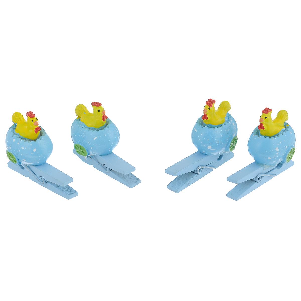 Набор декоративных прищепок Феникс-презент Петушки, 4 шт36918Набор Феникс-презент Петушки состоит из 4 декоративных прищепок, выполненных из дерева. Прищепки оформлены декоративными фигурками из полирезины в виде петушков в яйцах. Изделия используются для развешивания стикеров на веревке, маленьких игрушек, а оригинальность и веселые цвета прищепок будут радовать глаз и поднимут настроение. Размер прищепки: 4 см х 2 см х 3 см.