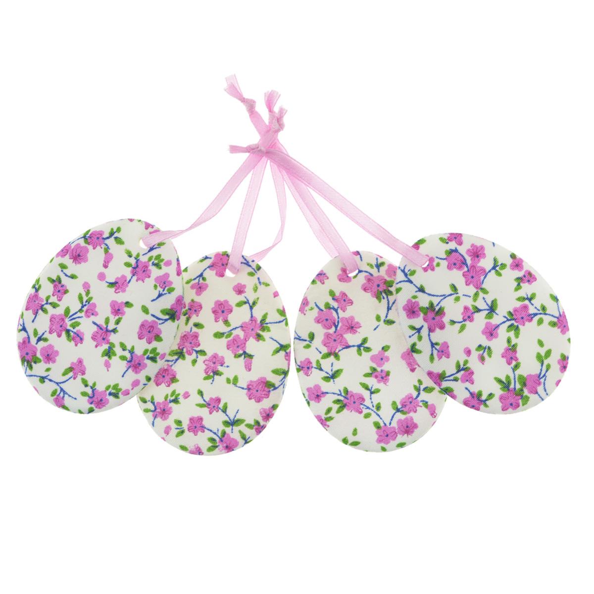Набор пасхальных подвесных украшений Home Queen Яркий день, цвет: сиреневый, 4 шт60797_3Набор Home Queen Яркий день, изготовленный из полиэстера, состоит из четырех пасхальных подвесных украшений. Изделия выполнены в виде пасхальных яиц с мягким наполнителем, декорированы цветочным принтом и оснащены текстильными петельками для подвешивания. Такой набор прекрасно дополнит оформление вашего дома на Пасху. Размер украшения: 6,5 см х 5 см х 0,3 см.