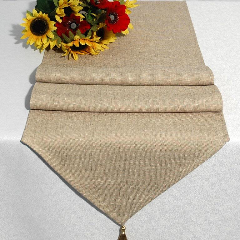 Дорожка для декорирования стола Schaefer, прямоугольная, цвет: бежевый, 40 x 160 см 06746-25406746-254Дорожка Schaefer выполнена из высококачественного полиэстера (60%) с добавлением акрила (35%) и украшена элегантными кистями на концах. Вы можете использовать дорожку для декорирования стола, комода или журнального столика. Благодаря такой дорожке вы защитите поверхность мебели от воды, пятен и механических воздействий, а также создадите атмосферу уюта и домашнего тепла в интерьере вашей квартиры. Изделия из искусственных волокон легко стирать: они не мнутся, не садятся и быстро сохнут, они более долговечны, чем изделия из натуральных волокон.