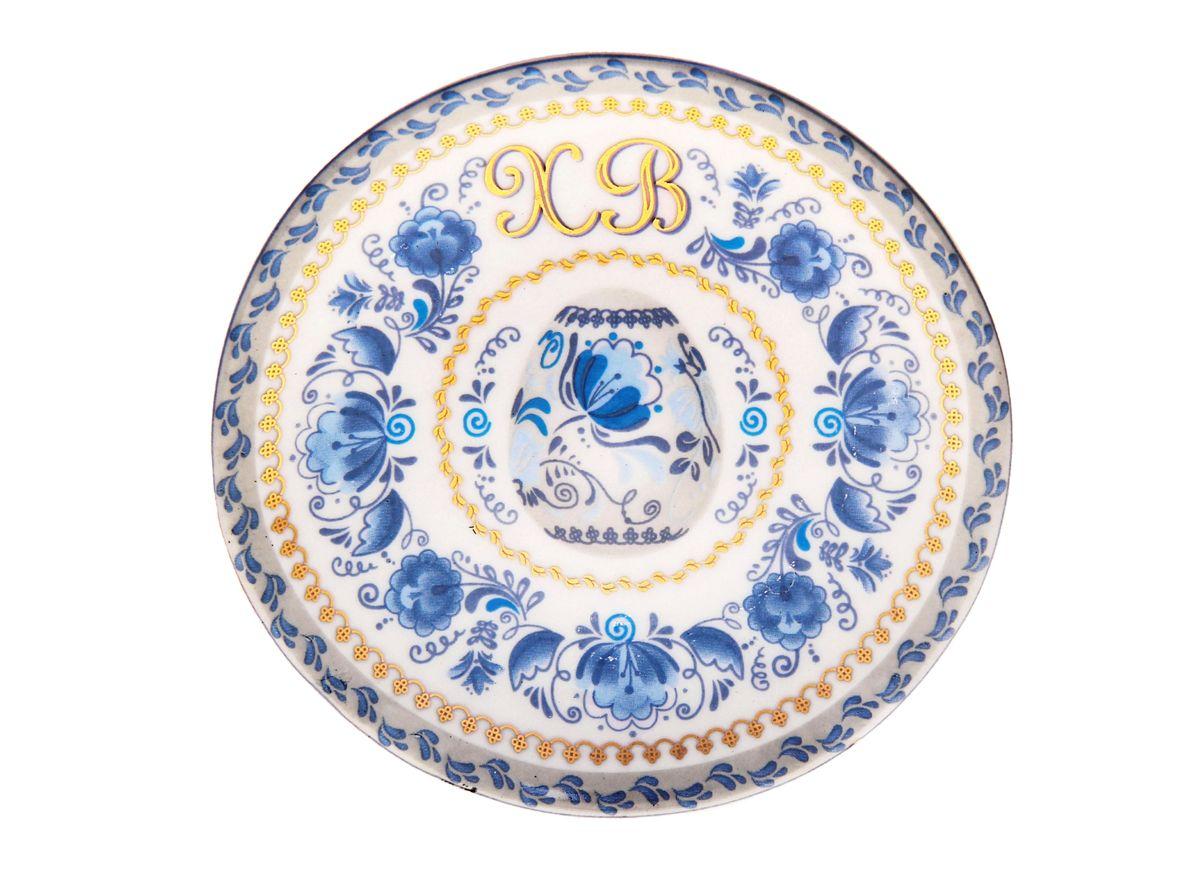 Тарелка декоративная Гжель, диаметр 10 см122602Декоративная тарелка Гжель выполнена из керамики, покрытой слоем глазури. Для тарелочки предусмотрена специальная подставка. Любое помещение выглядит незавершенным без правильно расположенных предметов интерьера. Они помогают создать уют, расставить акценты, подчеркнуть достоинства или скрыть недостатки. Декоративная тарелка Гжель - одна из тех деталей, которые придают дому обжитой вид и создают ощущение уюта.