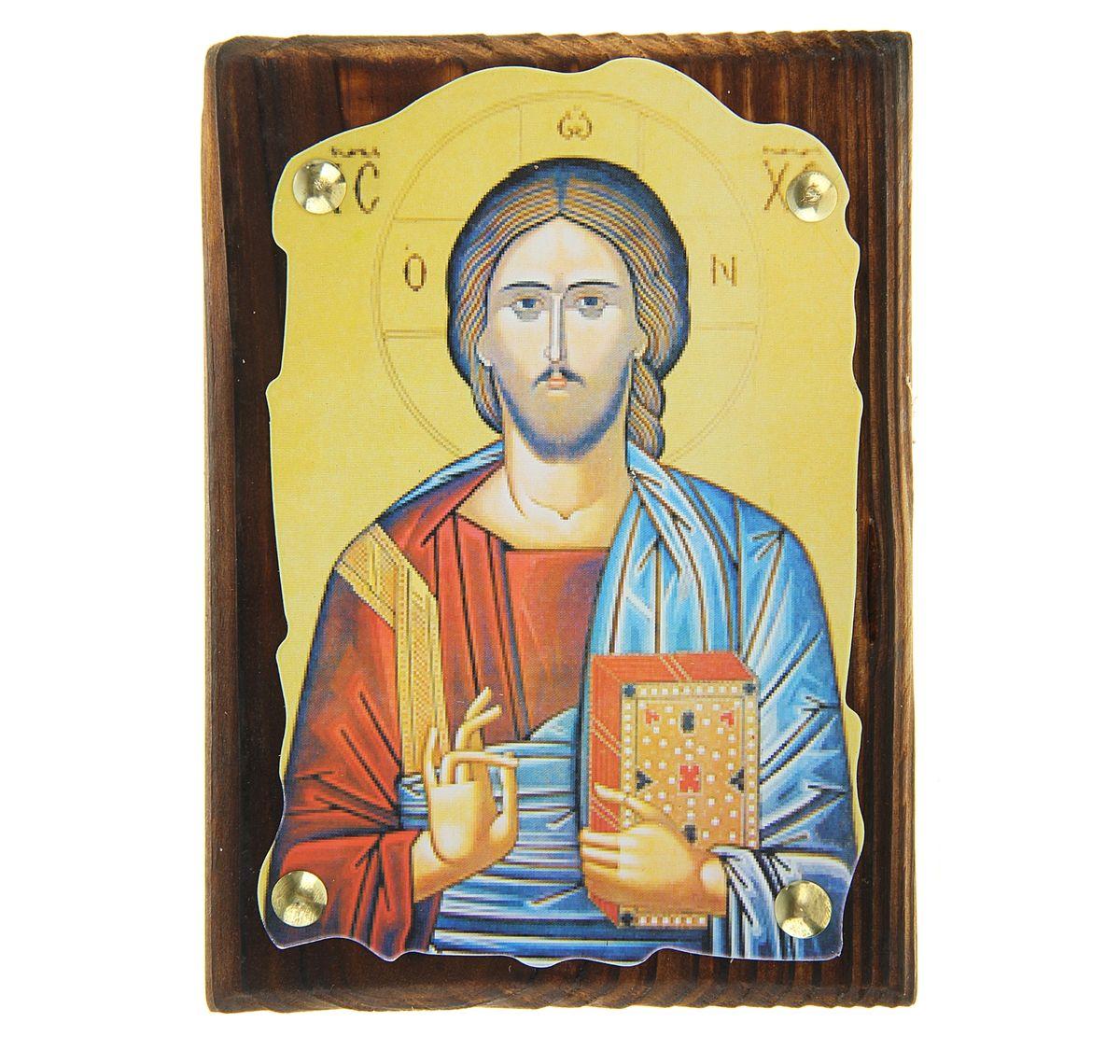 Икона Иисус Христос, 10,5 х 14,5 см137010Икона Иисус Христос выполнена из картона, с нанесенным изображением, который крепиться на деревянную дощечку, обработанную огнем. На обратной стороне имеется отверстие, благодаря которому икону удобно вешать на стену. Изображенный образ полностью соответствует канонам Русской Православной Церкви. Такая икона будет прекрасным подарком с духовной составляющей.