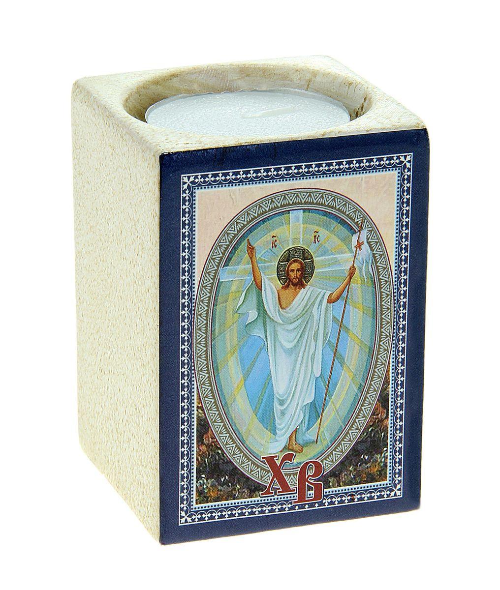 Подсвечник Sima-land Христос воскресший!, со свечой777903Подсвечник Sima-land Христос воскресший! изготовлен из качественной керамики, предназначен для свечи в гильзе. С одной стороны подсвечника изображен храм, с другой стороны написаны пожелания. Зажгите свечку поставьте ее в подсвечник и наслаждайтесь теплом, которое наполнит ваше сердце. В комплекте свеча. Такой подсвечник привнесет в ваш дом согласие и мир и будет прекрасным подарком, оберегающим близких вам людей. Размер подсвечника (ДхШхВ): 5 см х 5 см х 7 см. Диаметр отверстия для свечи: 4,5 см.