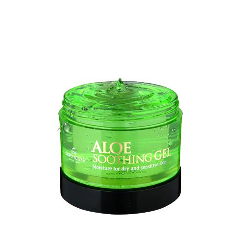 The Skin House Многофункциональный гель алое (сыворотка+маска), 100 млУТ000001248Гель с высокой концентрацией алоэ: содержит более 90% экстракта! Интенсивно успокаивает и увлажняет кожу, действуя моментально. Питает сухую и чувствительную кожу, не вызывая раздражения. Быстро впитывается и успокаивает воспаления. Гель выполняет функции интенсивно увлажняющей сыворотки и маски. Содержит аденозин, который известен своими замечательными анти-возрастными свойствами: за счёт содержания этого компонента, гель борется с морщинками и другими признаками старения. Подходит для всех типов кожи. Может использоваться как на коже лица, так и на коже тела, а так же как средство для волос.