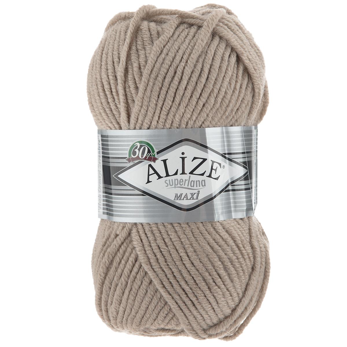 Пряжа для вязания Alize Superlana Maxi, цвет: песочный (05), 100 м, 100 г, 5 шт364131_05Пряжа Alize Superlana Maxi обладает плотной скруткой (немного напоминает шнурок), при этом нить мягкая, чуть упругая. Благодаря составу и скрутке петли отлично ложатся одна к другой, вязаное полотно получается ровное и однородное. Пряжа с умеренным, недлинным ворсом, отлично ложится в узор и держит его. Мягкая, очень комфортная как для работы, так и для носки. В качестве моделей для вязки можно рекомендовать плотные вещи: пальто, осенние длинные кардиганы, пончо, болеро, мужские свитера. Рассчитана на любой уровень мастерства, но особенно понравится начинающим мастерицам - благодаря толстой нити пряжа Alize Superlana Maxi позволяет быстро связать простую вещь. Структура и состав пряжи максимально комфортны для вязания. Рекомендуется для вязания на спицах 8-10 мм. Состав: 75% акрил, 25% шерсть.