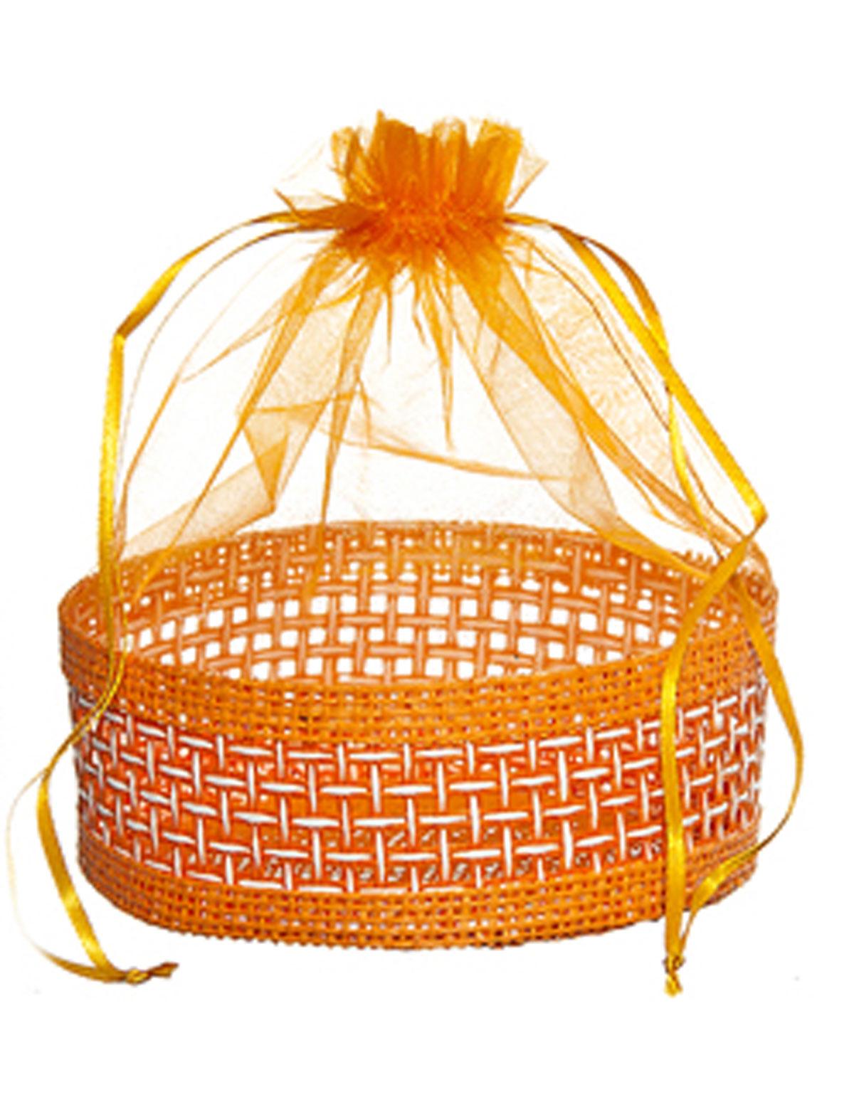 Корзинка Home Queen Подарок, цвет: оранжевый, 13 см х 20 см66826_1Декоративная корзинка Home Queen Подарок прекрасно подойдет в качестве подарочной упаковки, в ней также удобно хранить различные бытовые и косметические принадлежности. Изделие имеет жесткое основание в виде плетеной корзинки, верх выполнен из полупрозрачного полиэстера. Корзинка закрывается на кулиску.