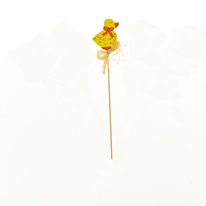 Декоративное пасхальное украшение на ножке Home Queen Утенок, высота 30 см66761_2утенокУкрашение пасхальное Home Queen Утенок изготовлено из высококачественного дерева и предназначено для украшения праздничного стола. Украшение выполнено в виде утенка на деревянной шпажке и украшено бантом. Такое украшение прекрасно дополнит подарок для друзей и близких на Пасху. Высота: 30 см. Размер фигурки: 4,5 см х 0,5 см х 5,6 см.