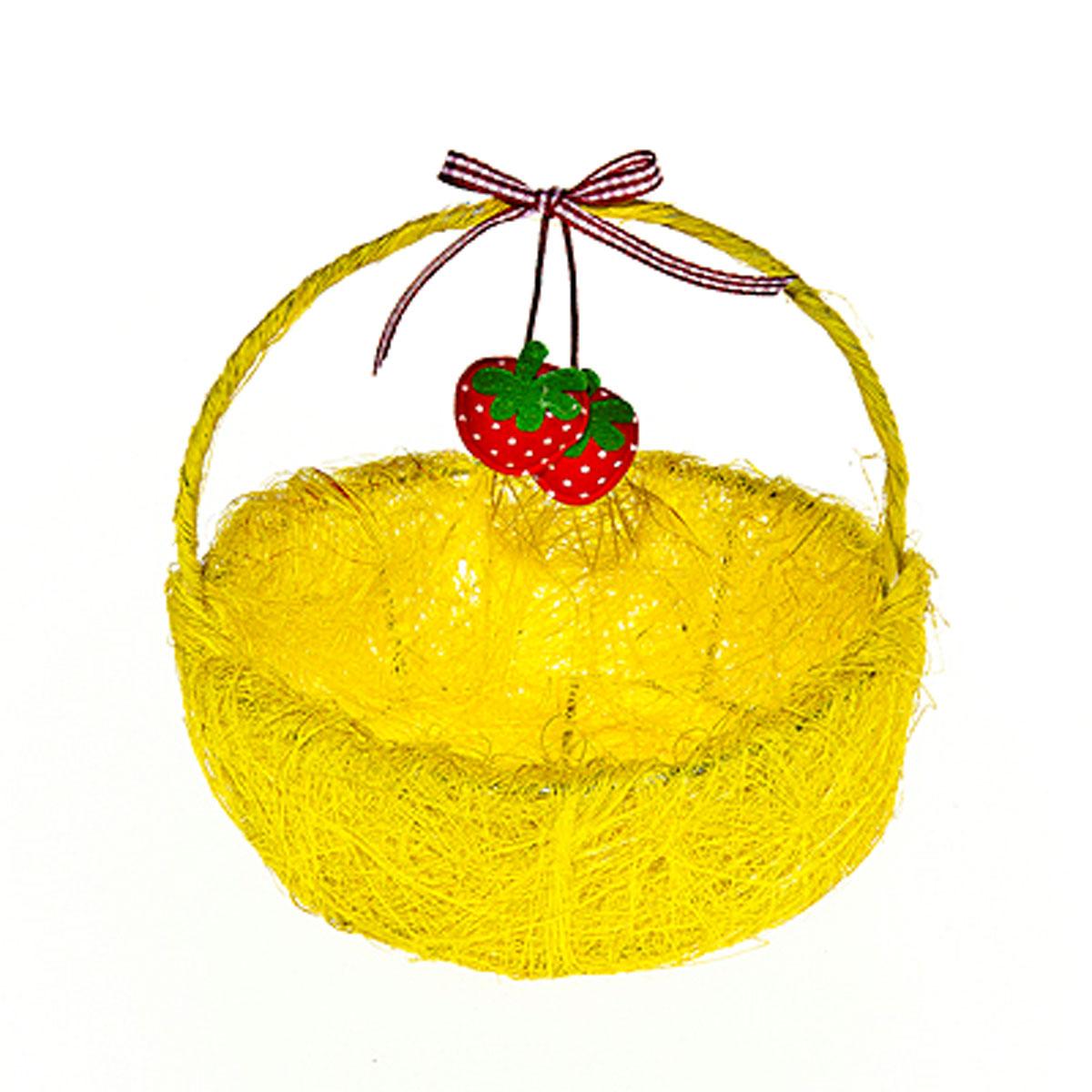 Корзина декоративная Home Queen Ягоды, цвет: желтый, 14 см х 13 см х 5 см64328_6Декоративная корзина Home Queen Ягоды предназначена для хранения различных мелочей и аксессуаров. Изделие имеет металлический каркас, обтянутый нитями из полиэстера. Корзина оснащена удобной ручкой и декорирована подвесным украшением в виде текстильных ягод с бантиком. Такая корзина станет оригинальным и необычным подарком или украшением интерьера. Размер корзины: 14 см х 13 см х 5 см. Диаметр дна: 10 см. Высота ручки: 10 см.