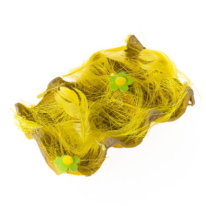 Подставка декоративная Home Queen Полянка, для 6 яиц, цвет: желтый, 14 х 9 х 4 см60860_1Декоративная подставка для яиц Home Queen Полянка изготовлена из плотного картона, оформлена сизалем, декорирована пером и цветочками. Изделие имеет 6 выемок для хранения яиц. Идеальный вариант для Пасхи. Такая подставка красиво оформит праздничный стол и создаст особое настроение.