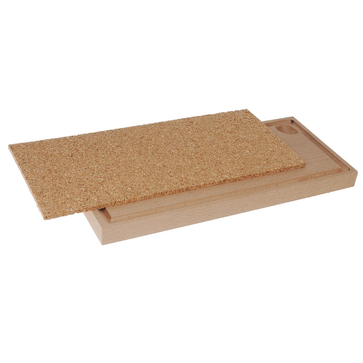 Доска для копчения, 34 см х 15 см х 2,2 смДДКДоска предназначена для копчения. На ней удобно готовить рыбу, мясо, птицу. Выполнена из бука с подставкой из пробкового дерева. Нет необходимости перекладывать в блюдо, можно подавать сразу на доске. Пробковая доска используется как подставка под горячее. Способ применения: перед первым использованием смазать доску оливковым маслом. Поместить доску в печь с температурой 100°С на два часа. Удалить с доски избыток масла. Бук, пробковое дерево