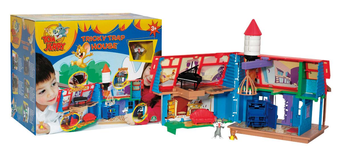 Дом GPH15056 с фигурками Том и Джерри, в коробке, 36,9*21,8*29,9см, ТМ Tom & JerryGPH15056Кот Том и мышонок Джерри — парочка, прославившаяся на весь мир. Уже несколько десятков лет Том гоняется за Джерри с неослабевающим азартом. Том придумывает всё новые и новые хитроумные уловки, чтобы поймать Джерри, но мышонок всё время выкручивается с не меньшей изобретательностью. Настоящий дом прекрасно подходит для игры, в комплекте фигурки из любимого мультфильма.