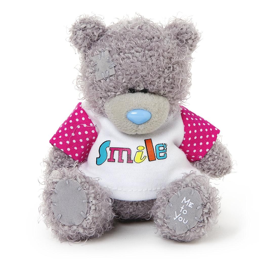 Me to You Мягкая игрушка Мишка Тедди, 10 см. G01W3577G01W3577Очаровательная игрушка Me to You Мишка Тедди выполнена в виде трогательного медвежонка. Игрушка изготовлена из высококачественных текстильных материалов. Глазки и носик выполнены из пластика. Медвежонок одет в бело-розовую футболку с надписью Smile. Удивительно мягкая игрушка принесет радость и подарит своему обладателю мгновения нежных объятий и приятных воспоминаний. Долгая история Мишки Тедди создала целый культ в истории, про него снимали мультфильмы и фильмы, сочиняли сказки и песни, он был любимцем детей и взрослых множество лет и является им сейчас. Нет лучшего подарка для ребенка или для девушки, чем Мишка Тедди от Me To You. Он способен выразить Вашу любовь, заботу или дружбу. Он подарит огромное количество любви и ласки своему владельцу, как это делали миллионы других медведей Тедди, до него. Это именно та игрушка, которая имеет свою неповторимую историю, такого медведя можно вспомнить из своего детства или даже найти на бабушкином чердаке. Так...