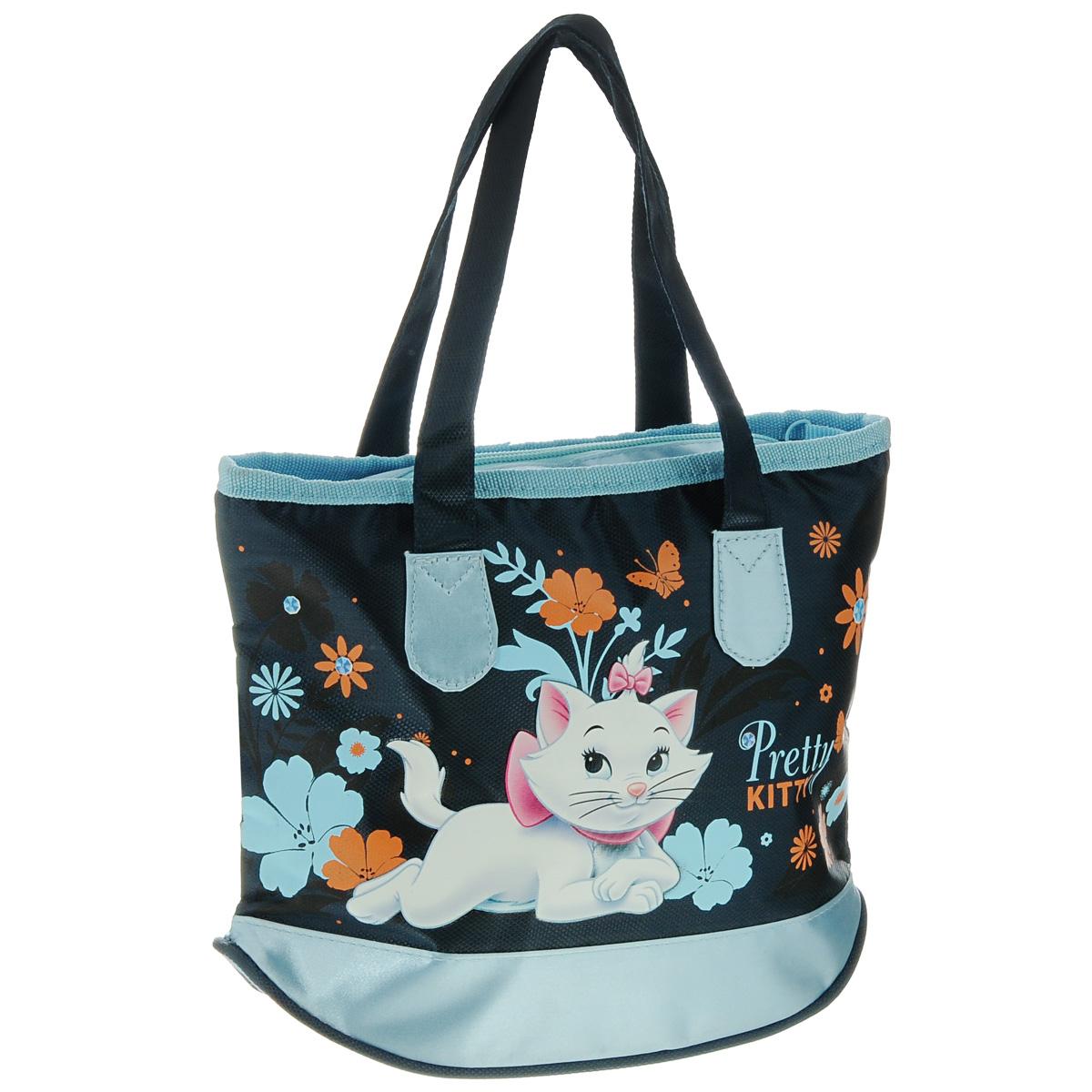 Сумка детская Marie Cat, цвет: темно-синий, голубойMCAP-UT-930Детская сумка Marie Cat выполнена из прочного полиэстера и оформлена термоаппликацией с изображением милой белой кошечки. Сумочка содержит одно отделение и закрывается на застежку-молнию. Сумочка оснащена двумя ручками для переноски. Рекомендуемый возраст: от 3 лет.