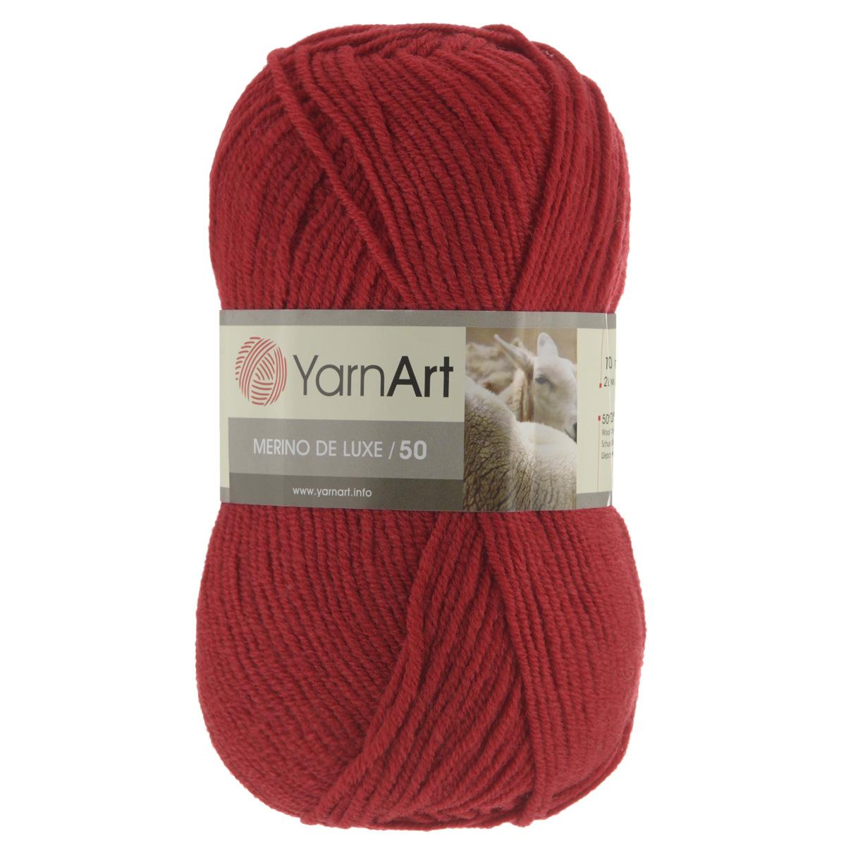 Пряжа для вязания YarnArt Merino de Lux, цвет: красный (576), 280 м, 100 г, 5 шт372049_576Классическая пряжа для вязания YarnArt  Merino de Lux изготовлена из шерсти и акрила. Пряжа очень мягкая и приятная на ощупь. Теплая, уютная, эта пряжа идеально подходит для вязки демисезонных вещей. Шапочки, шарфы, снуды, свитера, жилеты вяжутся из этой пряжи быстро и легко. Изделия приятны в носке и долго не теряют форму после ручной стирки. Рекомендуются спицы 3,5 мм, крючок 4 мм. Состав: 49% шерсть, 51% акрил.
