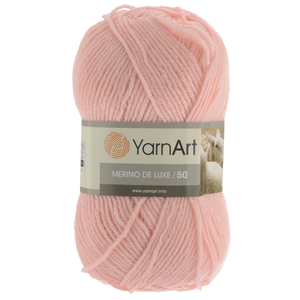 Пряжа для вязания YarnArt Merino de Lux, цвет: персиковый (), 280 м, 100 г, 5 шт372049_Классическая пряжа для вязания YarnArt  Merino de Lux изготовлена из шерсти и акрила. Пряжа очень мягкая и приятная на ощупь. Теплая, уютная, эта пряжа идеально подходит для вязки демисезонных вещей. Шапочки, шарфы, снуды, свитера, жилеты вяжутся из этой пряжи быстро и легко. Изделия приятны в носке и долго не теряют форму после ручной стирки. Рекомендуются спицы 3,5 мм, крючок 4 мм. Состав: 49% шерсть, 51% акрил.