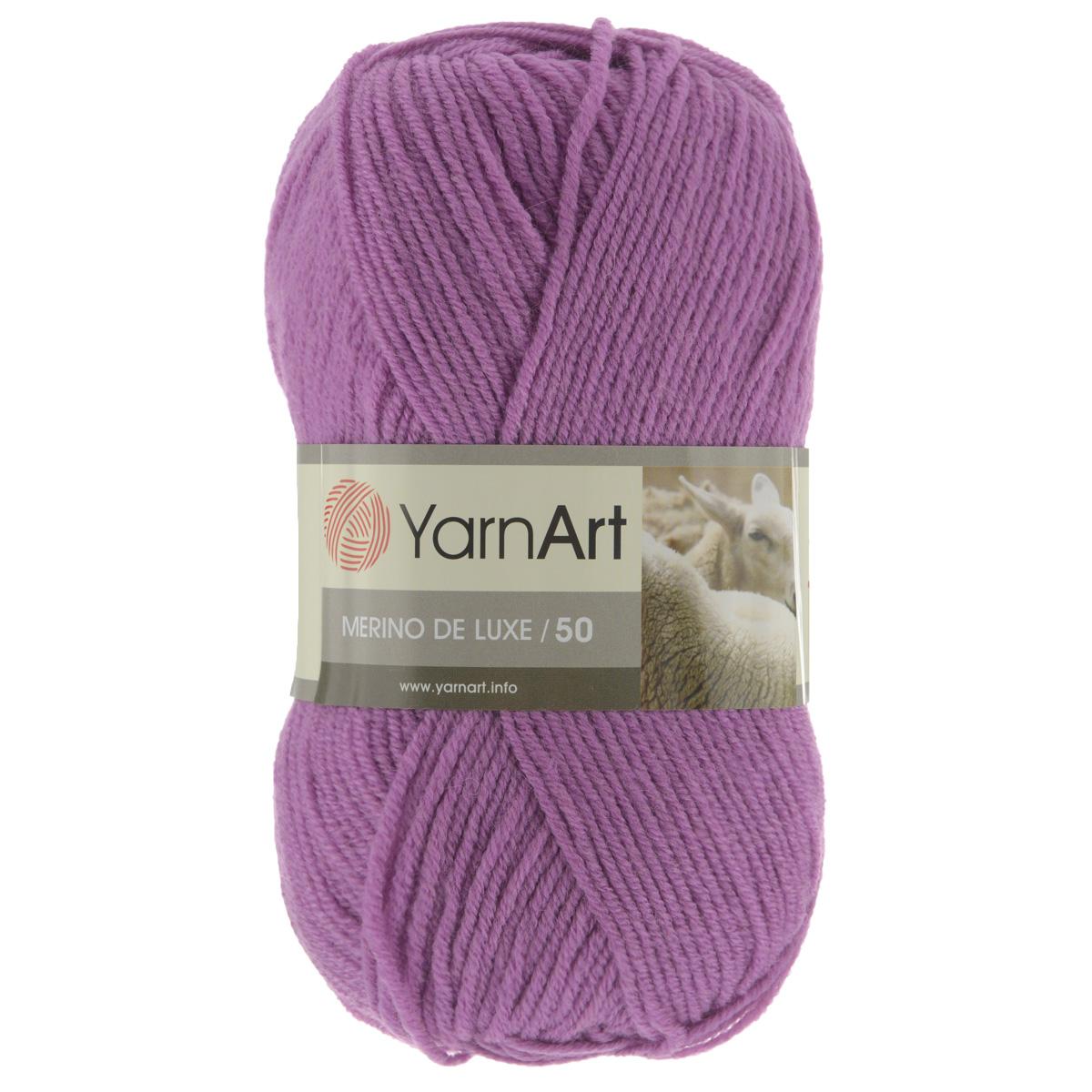 Пряжа для вязания YarnArt Merino de Lux, цвет: фиалковый (560), 280 м, 100 г, 5 шт372049_560Классическая пряжа для вязания YarnArt  Merino de Lux изготовлена из шерсти и акрила. Пряжа очень мягкая и приятная на ощупь. Теплая, уютная, эта пряжа идеально подходит для вязки демисезонных вещей. Шапочки, шарфы, снуды, свитера, жилеты вяжутся из этой пряжи быстро и легко. Изделия приятны в носке и долго не теряют форму после ручной стирки. Рекомендуются спицы 3,5 мм, крючок 4 мм. Состав: 49% шерсть, 51% акрил.