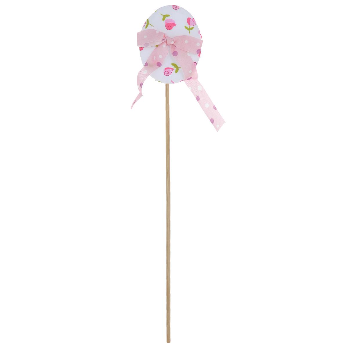 Декоративное пасхальное украшение на ножке Home Queen Яйцо с лентой, цвет: розовый, белый, высота 26 см64384_1Украшение пасхальное Home Queen Яйцо с лентой изготовлено из полиэстера и предназначено для украшения праздничного стола. Украшение выполнено в виде пасхального яйца, декорированного ленточкой, на деревянной шпажке. Такое украшение прекрасно дополнит подарок для друзей и близких на Пасху. Высота: 26 см. Размер декоративной фигурки: 6 см х 4,5 см х 2 см.