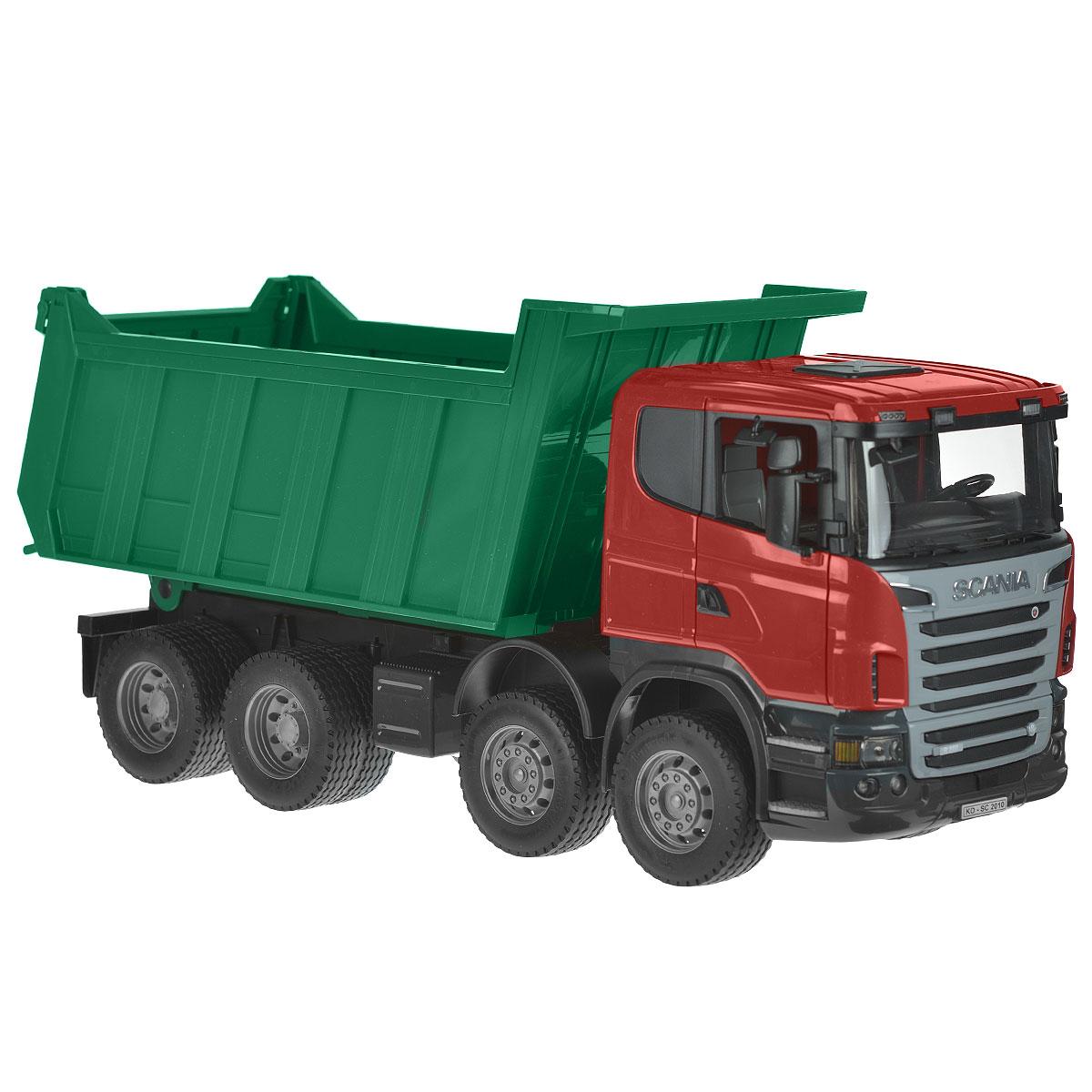 Bruder Самосвал Scania цвет зеленый красный03-550Самосвал Bruder Scania, выполненный из прочного безопасного материала красного и зеленого цветов, отлично подойдет ребенку для различных игр. Машина является уменьшенной копией самосвала фирмы Scania. Самосвал оснащен вместительным опрокидывающимся кузовом, задний борт которого открывается. Зеркала складываются. В кабину помещается небольшая игрушка. Прорезиненные колеса обеспечивают машине устойчивость и хорошую проходимость. К самосвалу подходит модуль со световыми и звуковыми эффектами (не входит в комплект). Ваш юный строитель сможет прекрасно провести время дома или на улице, воспроизводя свою стройку.