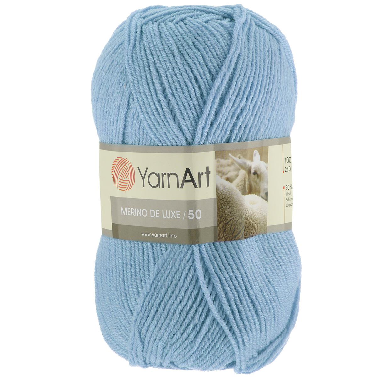 Пряжа для вязания YarnArt Merino de Lux, цвет: светло-голубой (215), 280 м, 100 г, 5 шт372049_215Классическая пряжа для вязания YarnArt  Merino de Lux изготовлена из шерсти и акрила. Пряжа очень мягкая и приятная на ощупь. Теплая, уютная, эта пряжа идеально подходит для вязки демисезонных вещей. Шапочки, шарфы, снуды, свитера, жилеты вяжутся из этой пряжи быстро и легко. Изделия приятны в носке и долго не теряют форму после ручной стирки. Рекомендуются спицы 3,5 мм, крючок 4 мм. Состав: 49% шерсть, 51% акрил.