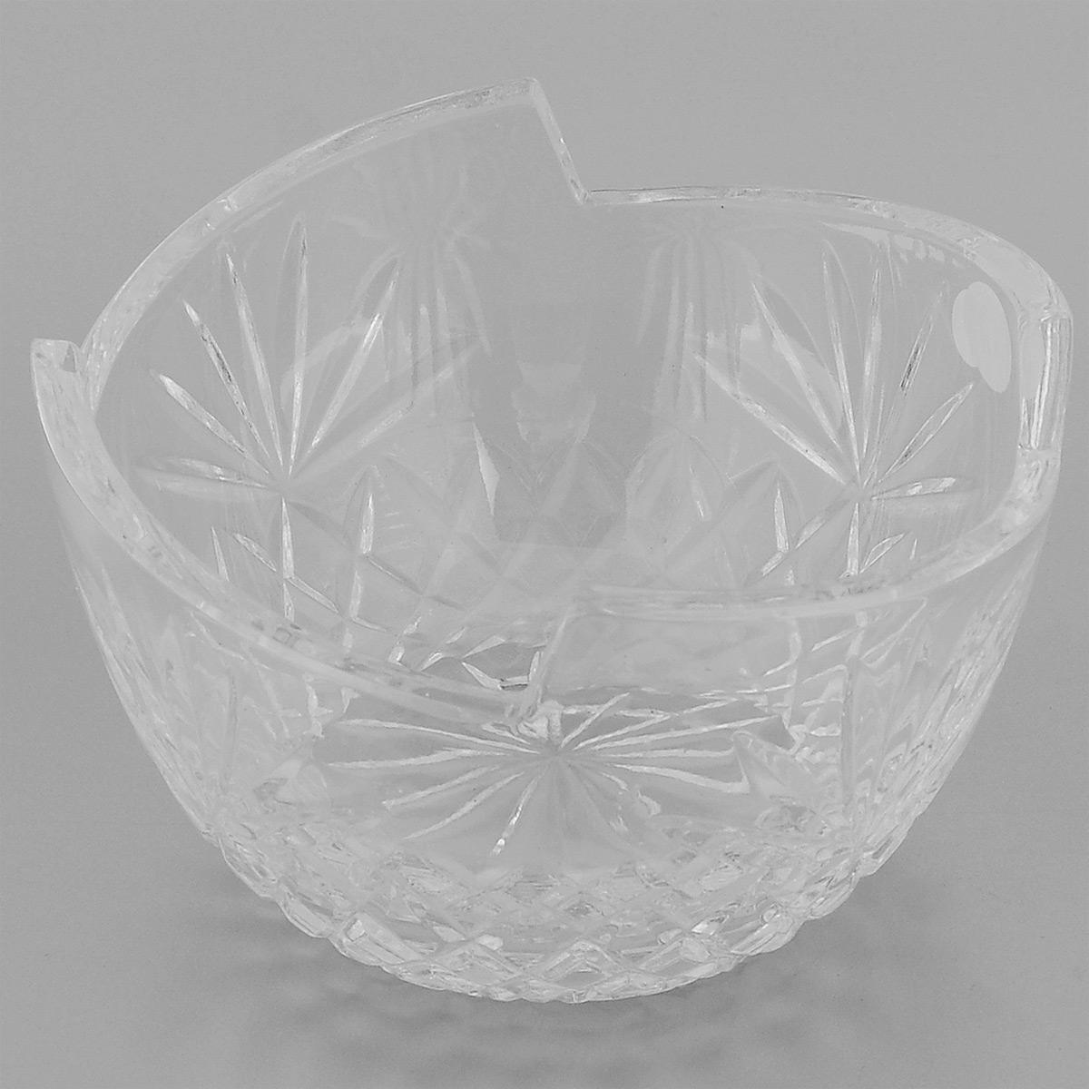 Салатник Neman, диаметр 12,5 см10026(900/26)-3Салатник Neman, выполненный из прочного высококачественного свинцового хрусталя, имеет круглую форму с заостренными краями и декорирован красочным рельефным узором. Изделие излучает приятный блеск и издает мелодичный звон. Салатник сочетает в себе изысканный дизайн с максимальной функциональностью. Он прекрасно впишется в интерьер вашей кухни и станет достойным дополнением к кухонному инвентарю. Салатник не только украсит ваш кухонный стол и подчеркнет прекрасный вкус хозяйки, но и станет отличным подарком. Нельзя мыть в посудомоечной машине и использовать в микроволновой печи. Диаметр (по верхнему краю): 12,5 см. Диаметр основания: 6,5 см. Высота салатника: 7,6 см.