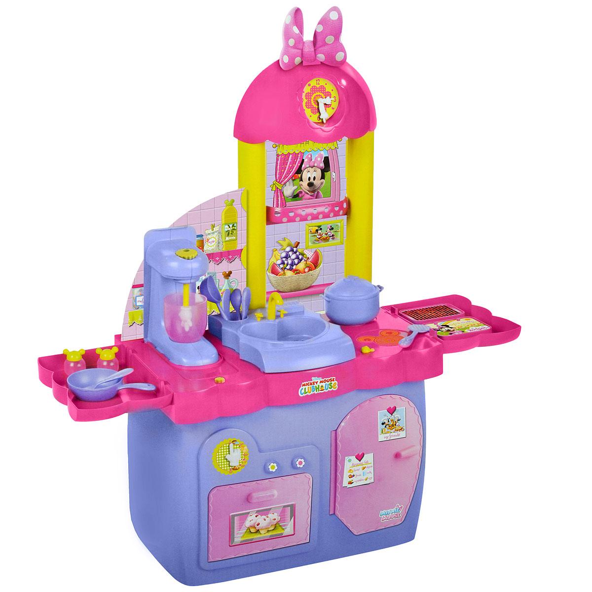 Кухня Disney Minnie, с аксессуарами180437Если ваш ребенок любит помогать маме на кухне, играть с посудой, варить и жарить, но вам приходится ограничивать его в игре с бьющимися предметами кухонной утвари, то эта детская кухня создана специально для юного поваренка. Кухня Disney Minnie представляет собой яркую кухню, которая состоит из духовки, вытяжки с часами, варочной поверхности, мойки и блендера. В набор входят аксессуары для игры: 2 ножа, 2 ложки, 2 вилки, 2 стаканчика, 2 тарелки, кастрюля с крышкой, сковорода, скалка, поварешка, лопатка, форма для выпечки, солонка и перечница. Игрушки, выполненные из яркого пластика, удобны для детской ладони, не имеют острых углов и абсолютно безопасны для ребенка. С такой кухней ваш ребенок сможет устроить для своих игрушек удивительный обед. Порадуйте его таким замечательным подарком!