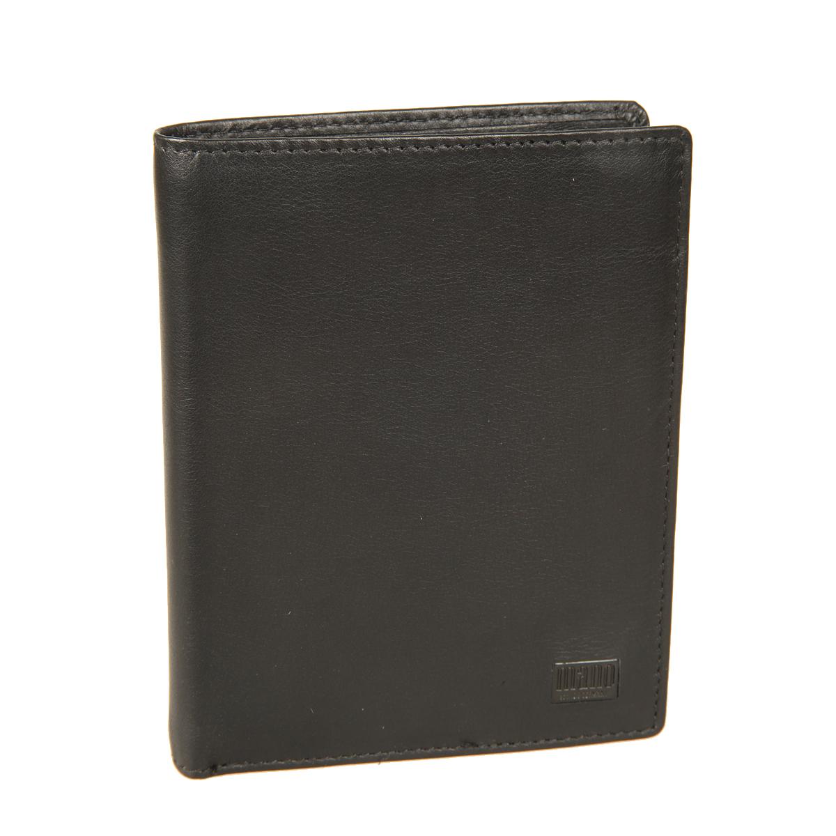 Портмоне мужское Mano, цвет: черный. 1915919159 certo blackСтильное мужское портмоне Mano выполнено из натуральной кожи и оформлено не большой пластинкой с логотипом бренда. Внутри два отдела для купюр, отдел для мелочи с клапаном на кнопке, пять потайных карманов, восемь кармашков для пластиковых карт и один карман с сетчатой вставкой. Портмоне имеет Protect Pocket - защитный карман от считывания карты. Модель упакована в фирменную картонную коробку.