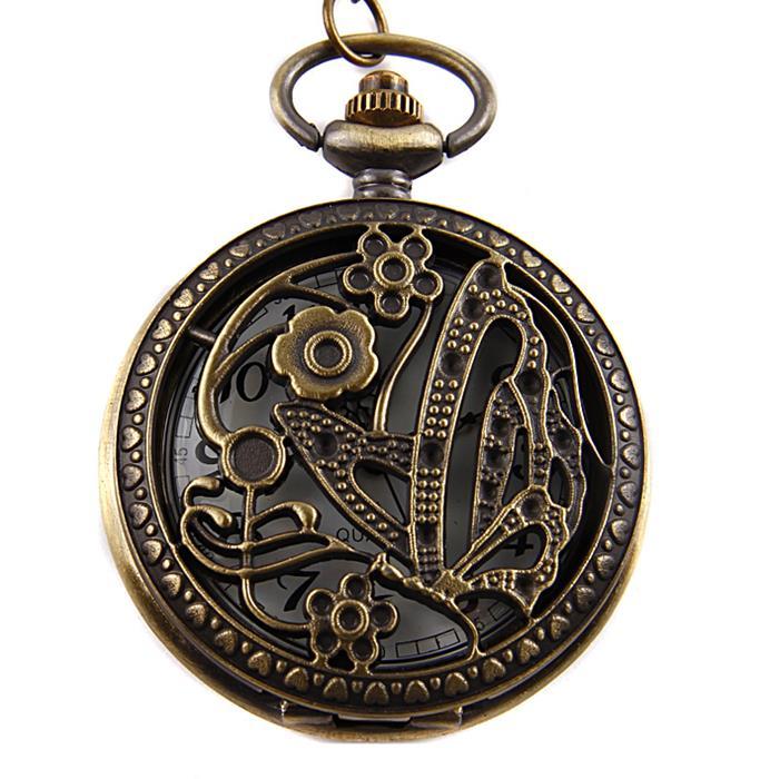 Винтажные часы Бабочка на цепочке. Металл, гравировка, кварцевый часовой механизм. Конец XX векаGBA-400-1A9Винтажные часы Бабочка на цепочке. Металл, гравировка, кварцевый часовой механизм. Западная Европа, конец XX века. Диаметр 4,5 см, длина цепочки 80 см. Сохранность хорошая. Оригинальные часы - стильный аксессуар с элементом функциональности. Корпус выполнен в винтажном стиле из металлического сплава, на крышке - ажурное гравированное изображение бабочки среди цветов. Внутри корпуса под крышкой располагаются кварцевые часики с круглым циферблатом и двумя стрелками. Изящные часы крепятся на цепочку с карабиновой застежкой. Этот яркий и необычный аксессуар, несомненно, привлечет внимание и подчеркнет ваш стиль.