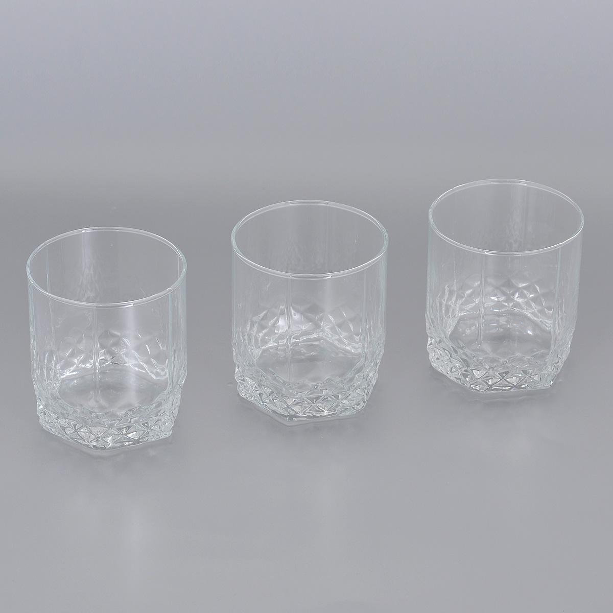 Набор стаканов для виски Pasabahce Valse, 330 мл, 3 шт42945GRBНабор Pasabahce Valser, выполненный из высококачественного стекла, состоит из трех стаканов. Высокие стаканы с утолщенным дном прекрасно подойдут для подачи виски. Эстетичность, функциональность и изящный дизайн сделают набор достойным дополнением к вашему кухонному инвентарю. Набор стаканов Pasabahce Valser украсит ваш стол и станет отличным подарком к любому празднику. Можно использовать в морозильной камере и микроволновой печи. Можно мыть в посудомоечной машине. Диаметр стакана по верхнему краю: 8 см. Высота стакана: 9,5 см.