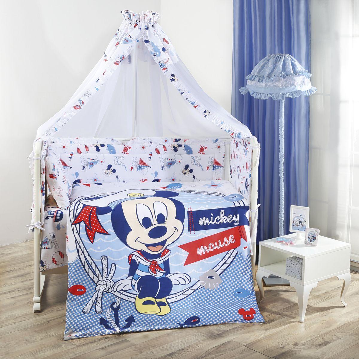Комплект в кроватку Mona Liza Disney baby Микки морячок, цвет: голубой, 7 предметов521263Комплект в кроватку Mona Liza Disney baby Микки морячок прекрасно подойдет для кроватки вашего малыша, добавит комнате уюта и согреет в прохладные дни. В качестве материала верха использован натуральный хлопок, мягкая ткань не раздражает чувствительную и нежную кожу ребенка и хорошо вентилируется. Бортик, подушка и одеяло наполнены 100% полиэфиром. Балдахин выполнен из 100% полиэфира с отделкой 100% хлопка. Комплект состоит из: бортиков 40 см х 60 см - 2 шт, 40 см х 120 см - 2 шт, балдахина 150 см х 300 см, плоской подушки 40 см х 60 см, зимнего одеяла 105 см х 140 см, пододеяльника 110 см х 145 см, наволочки 40 см х 60 см, простыни 100 см х 145 см. Элементы комплекта выполнены из 100% хлопка и оформлены аппликацией в виде малыша Микки Мауса. Очень важно, чтобы ваш малыш хорошо спал - это залог его здоровья, а значит вашего спокойствия. Согласно рекомендациям детских врачей, лучше всего приобретать...