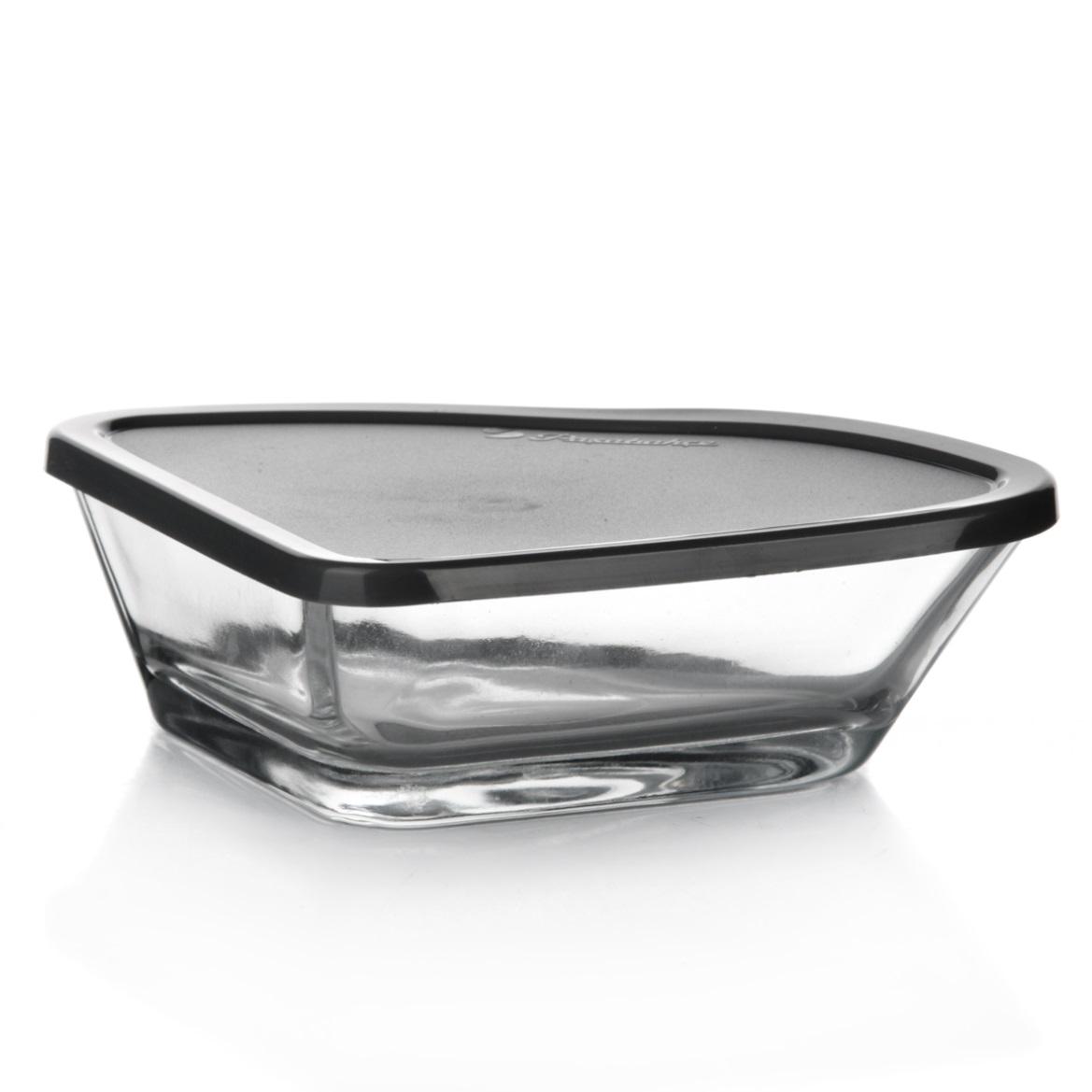Набор салатников Pasabahce Arte, цвет: прозрачный, серый, 12 х 16 см, 8 предметов53953GYНабор Pasabahce Arte состоит из четырех треугольных салатников, выполненных из прочного натрий-кальций-силикатного стекла. Изделия оснащены серыми пластиковыми крышками. Такие салатники прекрасно подойдут для сервировки закусок, нарезок, салатов и других блюд, а наличие крышек дает возможность хранить продукты закрытыми в холодильнике. Набор прекрасно оформит праздничный стол и удивит вас изысканным дизайном. Можно мыть в посудомоечной машине. Размер салатника: 12 см х 16 см х 4 см. Количество салатников: 4 шт. Количество крышек: 4 шт.