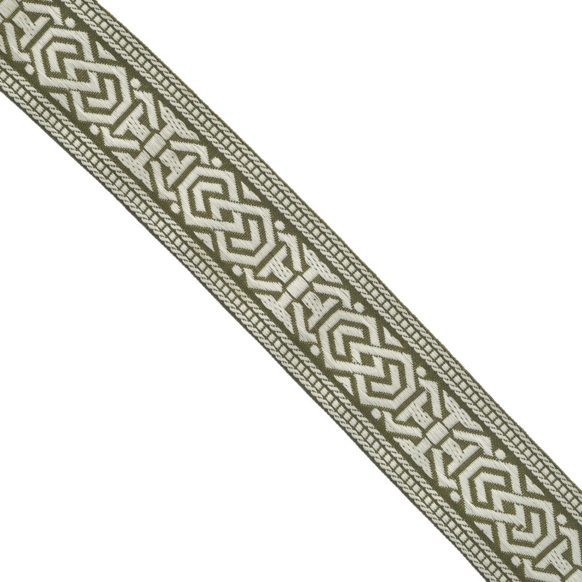 Тесьма декоративная Астра, цвет: оливковый (55L/17), ширина 3 см, длина 16,4 м. 77033377703337_55L/17Декоративная тесьма Астра выполнена из текстиля и оформлена оригинальным орнаментом. Такая тесьма идеально подойдет для оформления различных творческих работ таких, как скрапбукинг, аппликация, декор коробок и открыток и многое другое. Тесьма наивысшего качества и практична в использовании. Она станет незаменимым элементом в создании рукотворного шедевра. Ширина: 3 см. Длина: 16,4 м.
