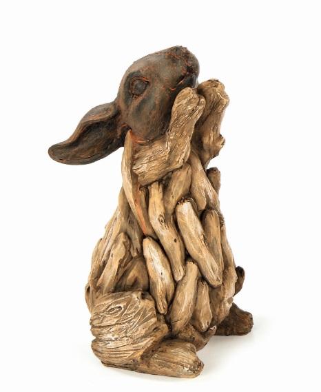 Фигурка декоративная Premier Кролик, высота 23 смBA131363Фигурка декоративная Premier Кролик прекрасно подойдет для садового декора и украшения помещений. Фигурка выполнена из полистоуна в виде кролика, стоящего на задних лапках. Материал изделия отличается прочностью и износостойкостью, устойчивостью к влаге и жаре, цвета не тускнеют на солнце. Такая фигурка долгое время будет украшать ваш сад.