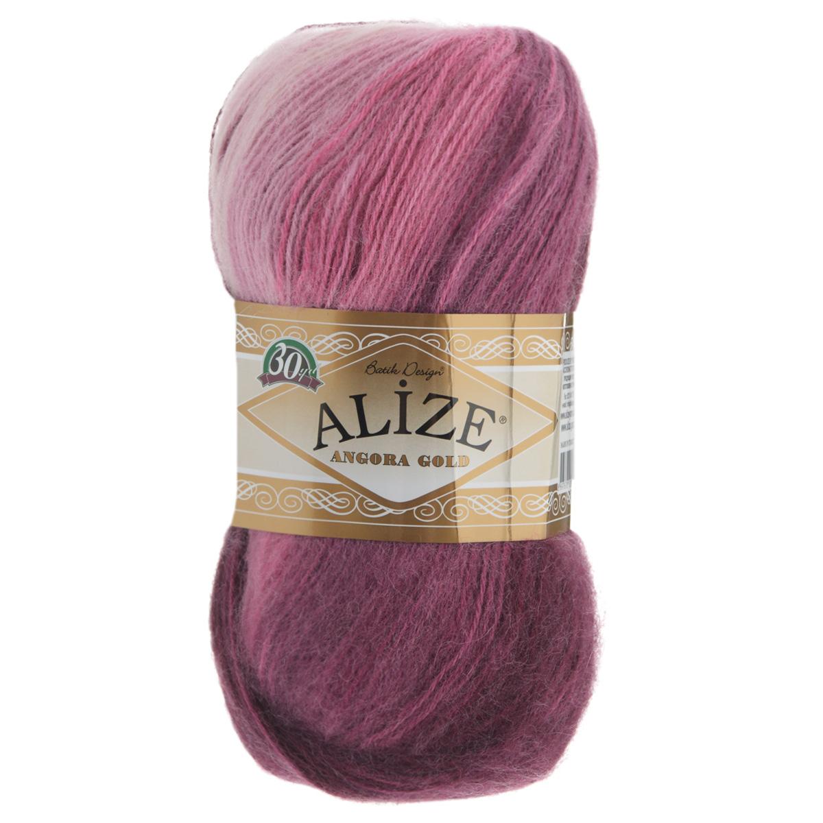 Пряжа для вязания Alize Angora Gold Batik, цвет: бордовый, светло-розовый, розовый (1895, 550 м, 100 г, 5 шт364112_1895Пряжа для вязания Alize Angora Gold Batik изготовлена из акрила, мохера и шерсти, что способствует прекрасному тепловому обмену, легкости и комфорту. Меланжевая ниточка тонкая, пушистая. Из данной пряжи получаются вещи, которые не требуют ни украшений, ни дополнений. Пряжа допускает самую простую и примитивную вязку, но при этом смотрится необычно благодаря своей цветовой палитре. В ее состав входит акрил, что позволяет стирать ваши изделия в стиральной машине (на деликатной стирке) и они не потеряют свою первоначальную форму. Классическая зимняя пряжа секционного крашения для вязания теплых пушистых вещей. Пряжа отлично подходит для вязания свитеров, жилетов, шарфов, шапок, шалей и пр. Рекомендуется ручная стирка. Рекомендованные спицы № 3-6, крючок № 2-4. С такой пряжей для ручного вязания вы сможете связать своими руками необычные и красивые вещи. Состав: 80% акрил, 10% шерсть, 10% мохер.