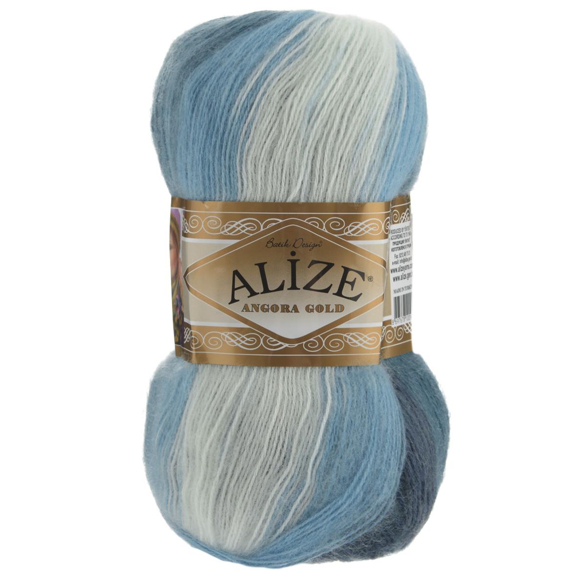 Пряжа для вязания Alize Angora Gold Batik, цвет: белый, темно-синий, синий (1899), 550 м, 100 г, 5 шт364112_1899Пряжа для вязания Alize Angora Gold Batik изготовлена из акрила, мохера и шерсти, что способствует прекрасному тепловому обмену, легкости и комфорту. Меланжевая ниточка тонкая, пушистая. Из данной пряжи получаются вещи, которые не требуют ни украшений, ни дополнений. Пряжа допускает самую простую и примитивную вязку, но при этом смотрится необычно благодаря своей цветовой палитре. В ее состав входит акрил, что позволяет стирать ваши изделия в стиральной машине (на деликатной стирке) и они не потеряют свою первоначальную форму. Классическая зимняя пряжа секционного крашения для вязания теплых пушистых вещей. Пряжа отлично подходит для вязания свитеров, жилетов, шарфов, шапок, шалей и пр. Рекомендуется ручная стирка. Рекомендованные спицы № 3-6, крючок № 2-4. С такой пряжей для ручного вязания вы сможете связать своими руками необычные и красивые вещи. Состав: 80% акрил, 10% шерсть, 10% мохер.