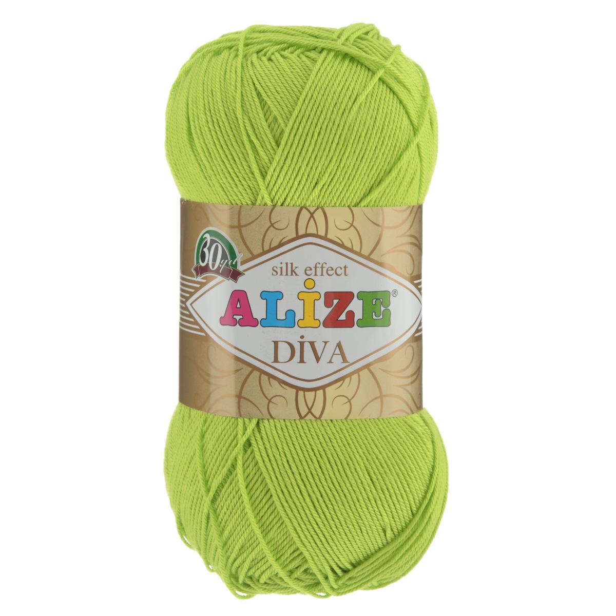 Пряжа для вязания Alize Diva, цвет: зеленый неон (612), 350 м, 100 г, 5 шт364126_612Легкая пряжа Diva с шелковым эффектом для весенних или летних вещей. Приятная на ощупь, обладающая высокой гигроскопичностью, пряжа Diva из микрофибры подойдет для самых разных вязаных изделий: сарафанов, туник, платьев, легких костюмов, кофт, шалей и накидок. Ее с одинаковым успехом можно использовать и для спиц, и для вязания крючком. В палитре большой выбор ярких цветов и пастельных мягких оттенков. Не стоит с предубеждением относиться к искусственной пряже, ведь она обладает целым рядом преимуществ. За изделиями из пряжи Diva проще ухаживать, они не подвержены скатыванию, не вызывают аллергии, не собирают пыль, не линяют и не оставляют ворсинок на другой одежде. Рекомендованные спицы № 2,5-3,5, крючок № 1-3. Состав: 100% микрофибра.