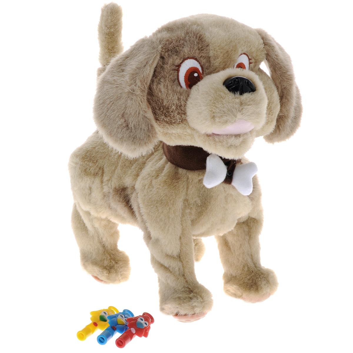 Интерактивная игрушка Сторожевой пес Bobby, цвет: бежевыйGPH00959Интерактивная игрушка Сторожевой пес Bobby станет верным другом вашему ребенку. Щенок ведет себя совсем как настоящий: он умеет ходить, лаять, вилять хвостиком, шевелить ушами, а также является отличным сторожем. В комплект входят три свистка: красный, синий и желтый. В зависимости от того, в какой свисток ты дунешь, Bobby выполнит следующие команды: красный свисток: щенок радостно завиляет хвостиком и залает; синий свисток: щенок пойдет гулять; желтый свисток: щенок залает и зашевелит ушами. Bobby остановится, если еще раз дунуть в выбранный свисток. Погладьте щенка по голове, и он от удовольствия радостно залает и весело завиляет хвостиком. Предусмотрен режим охраны. При включении данного режима Bobby будет звонко лаять на каждого, кто попытается попытается проникнуть на территорию его хозяина (датчик движения расположен в косточке, которая закреплена на ошейнике). Порадуйте вашего ребенка таким замечательным подарком! Для работы игрушки...
