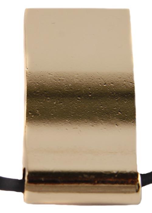 Подвеска Матрешка на шнурке. Бижутерный сплав, эмаль, шнурок ПЭ. Конец XX векаPD0153Подвеска Матрешка на шнурке. Бижутерный сплав, эмаль, шнурок ПЭ. Западная Европа, конец ХХ века. Сохранность хорошая. Размер: подвеска - 2 см на 4 см, шнурок 42 см. Подвеска с эмалью А-ля Рюс с матрешкой - дань моде на все русское. Выполнена из бижутерного сплава очень хорошего качества. Вручную выполненная эмаль насыщенных сочных оттенков. Шнурок из ПЭ с фурнитурой из бижутерного сплава.