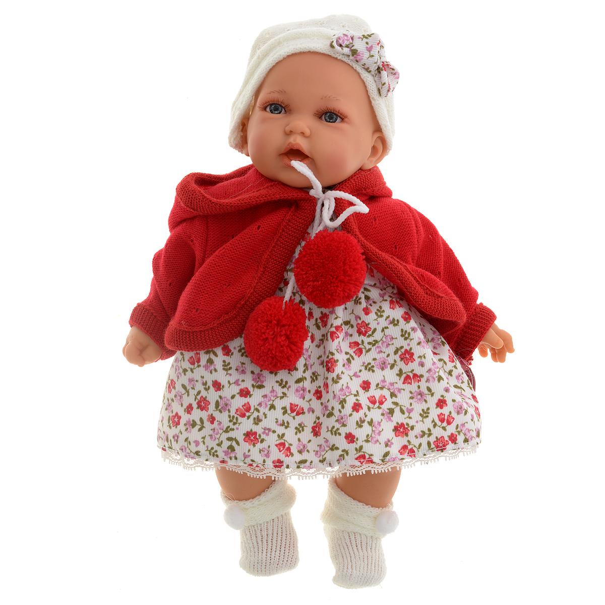 Munecas Antonio Juan Пупс Азалия цвет красный1220RКукла Antonio Juan Азалия - чудесная малышка, которая порадует вашу маленькую принцессу и доставит ей много удовольствия от часов, посвященных игре с ней. У нее очаровательные глазки и длинные реснички. Малышка одета в красивое платьице в цветочек, вязаную кофточку и уютные носочки с помпонами. На голове у Азалии шапочка с очаровательным бантом. Тело куклы мягконабивное, а подвижные голова, ножки и ручки выполнены из высококачественного винила. При первом нажатии на животик куколка весело засмеется, при втором скажет - мама, при третьем - папа. Игра с куклой разовьет в вашей малышке чувство ответственности и заботы. Порадуйте свою принцессу таким великолепным подарком! Рекомендуется докупить 3 батарейки напряжением 1,5V типа AG13/LR44 (товар комплектуется демонстрационными). Munecas Antonio Juan (куклы Антонио Хуан) - это бренд с многолетней историей! Куклы Antonio Juan производятся в Испании, отливаются из очень мягкого винила с добавлением...