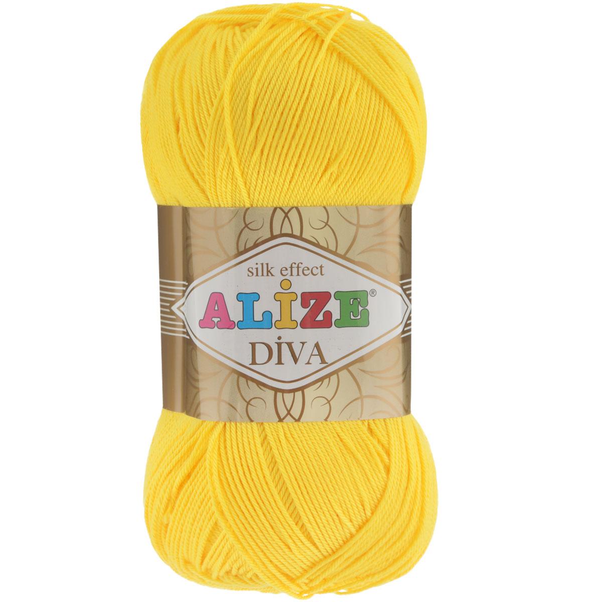 Пряжа для вязания Alize Diva, цвет: светло-желтый (110), 350 м, 100 г, 5 шт364126_110Легкая пряжа Diva с шелковым эффектом для весенних или летних вещей. Приятная на ощупь, обладающая высокой гигроскопичностью, пряжа Diva из микрофибры подойдет для самых разных вязаных изделий: сарафанов, туник, платьев, легких костюмов, кофт, шалей и накидок. Ее с одинаковым успехом можно использовать и для спиц, и для вязания крючком. В палитре большой выбор ярких цветов и пастельных мягких оттенков. Не стоит с предубеждением относиться к искусственной пряже, ведь она обладает целым рядом преимуществ. За изделиями из пряжи Diva проще ухаживать, они не подвержены скатыванию, не вызывают аллергии, не собирают пыль, не линяют и не оставляют ворсинок на другой одежде. Рекомендованные спицы № 2,5-3,5, крючок № 1-3. Состав: 100% микрофибра.