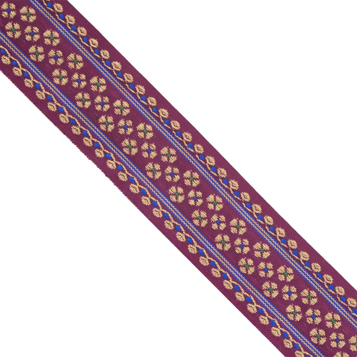 Тесьма декоративная Астра, цвет: бордовый, ширина 4 см, длина 16,4 м. 77034047703404Декоративная тесьма Астра выполнена из текстиля и оформлена оригинальным орнаментом. Такая тесьма идеально подойдет для оформления различных творческих работ таких, как скрапбукинг, аппликация, декор коробок и открыток и многое другое. Тесьма наивысшего качества и практична в использовании. Она станет незаменимым элементом в создании рукотворного шедевра. Ширина: 4 см. Длина: 16,4 м.