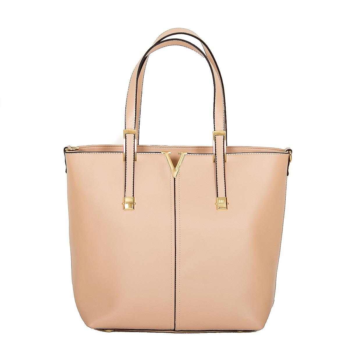 Сумка женская Farfalla Rosso, цвет: светло-розовый. 70008-306/2470008-306/24Изысканная женская сумка Farfalla Rosso выполнена из искусственной кожи. Сумка закрывается на застежку-молнию. Внутри - одно отделение, разделенное карманом-средником на застежке-молнии, также есть втачной карман на застежке-молнии, два накладных кармашка для мелочей и телефона. Задняя сторона дополнена плоским врезным карманом на застежке-молнии. Две ручки сумки крепятся на металлическую фурнитуру. Дно сумки защищено металлическими ножками, обеспечивающими дополнительную устойчивость. В комплекте плечевой отстегивающийся ремень и чехол для хранения. Блестящий дизайн сумки, сочетающий классические формы с оригинальным оформлением, позволит вам подчеркнуть свою индивидуальность и сделает ваш образ изысканным и завершенным.