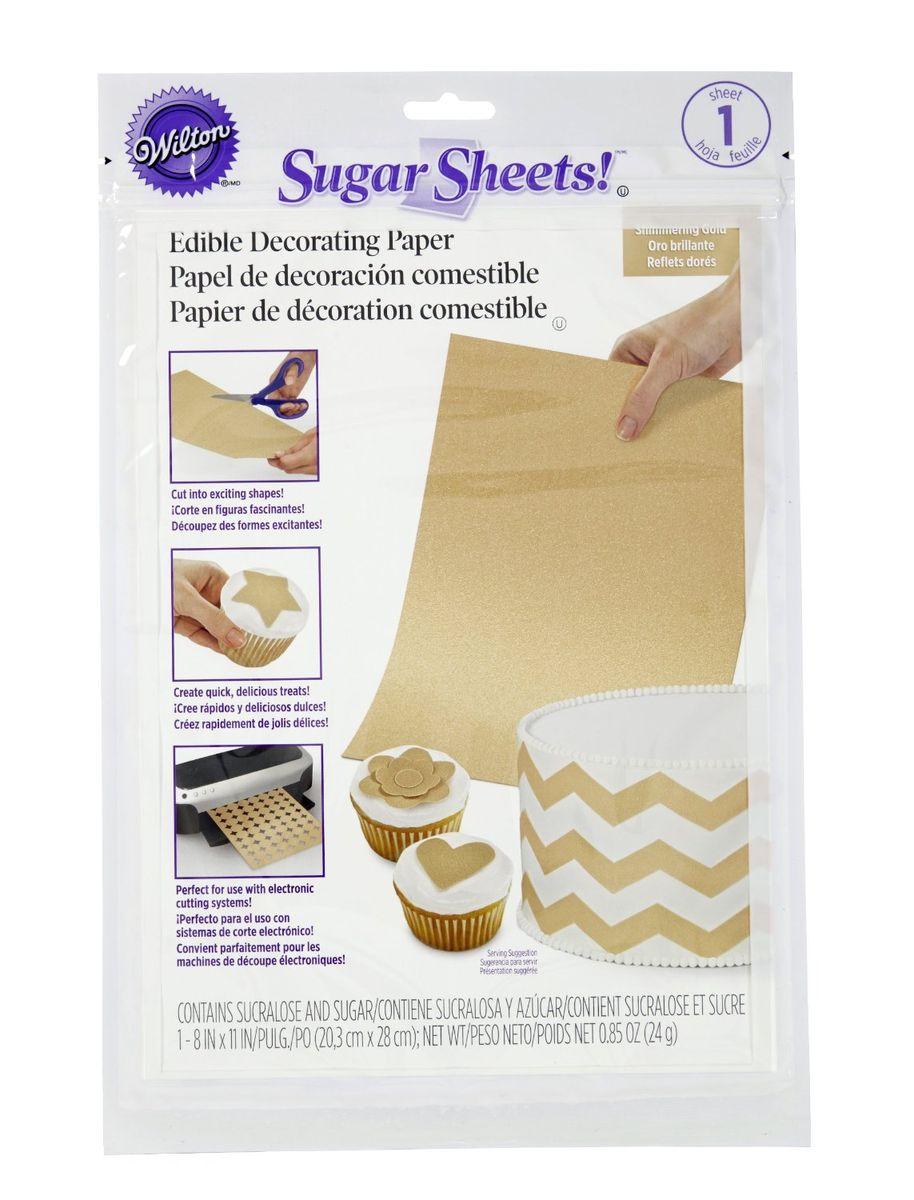 Сахарные листы мерцающие Золото, 20,3 см х 28 смWLT-710-2924Используются для создания накладных украшений, объемных бантиков, рюшей и завитков, надписей. Как использовать: Отклейте от основания нужное вам количество листа. Оставшуюся часть листа положите в упаковку и закройте, чтобы он не высох. Вырежьте украшения. Положите украшения (блестящей стороной вниз) на угощения, покрытые айсингом. Для того чтобы украшения приклеились им нужна влага. Если айсинг сухой, то распылите на него немного воды, нанесите кистью переводной гель или новый айсинг. Неиспользованные части сахарного листа храните в упаковке в прохладном и сухом месте. Для того чтобы они не ломались, не сгибайте их. Угощения, украшенные деталями из сахарных листов можно хранить в холодильнике. Но если у вас объемные украшения, то этого не рекомендуется делать. Размер 20,3 x 28 см. Вес 24 г.